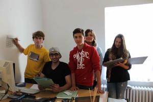 Fünf Mitglieder des Kinder- und Jugendparlamentes Tempelhof-Schöneberg